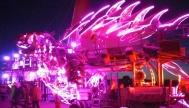 """澳镭照明为美国内华达""""火人节""""提供LED防水灯带,创造奇幻光龙"""