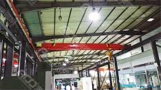 (6米钢结构厂房-50W工矿灯)蔚蓝模具新厂安装节能灯具